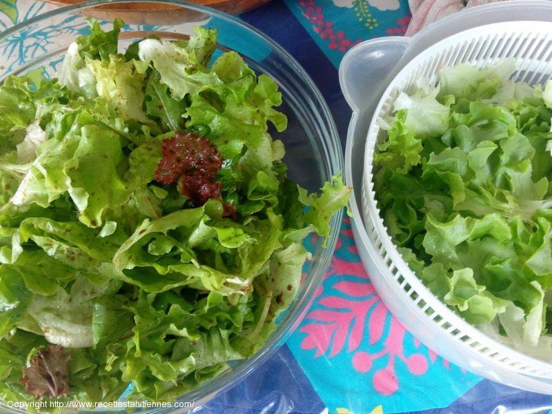 Salade et sa sauce vinaigrette balsamique