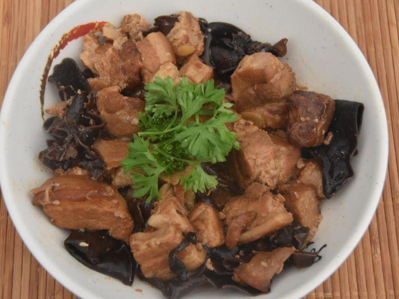 Pua'a sauce huître taria 'iore